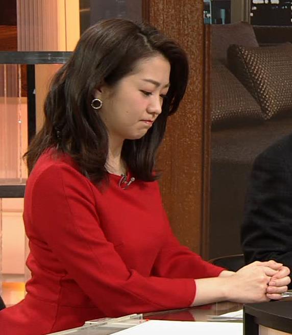 副島萌生アナ デカさが際立つ横乳キャプ・エロ画像9