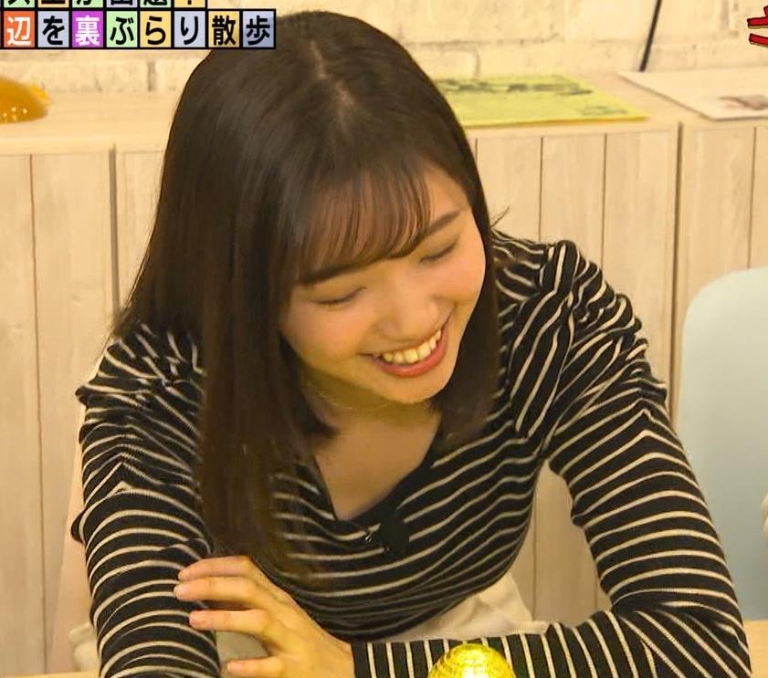 田中瞳アナ ボーダーの服でエロい胸元キャプ・エロ画像4