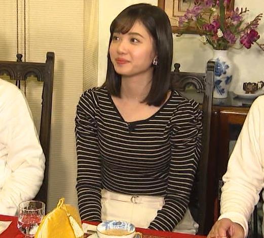 田中瞳アナ ボーダーの服でエロい胸元キャプ・エロ画像5