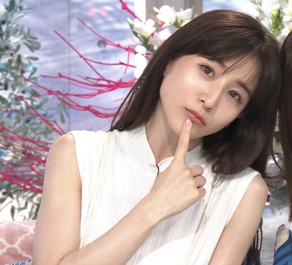 田中みな実 横乳&ワキエロキャプ・エロ画像3