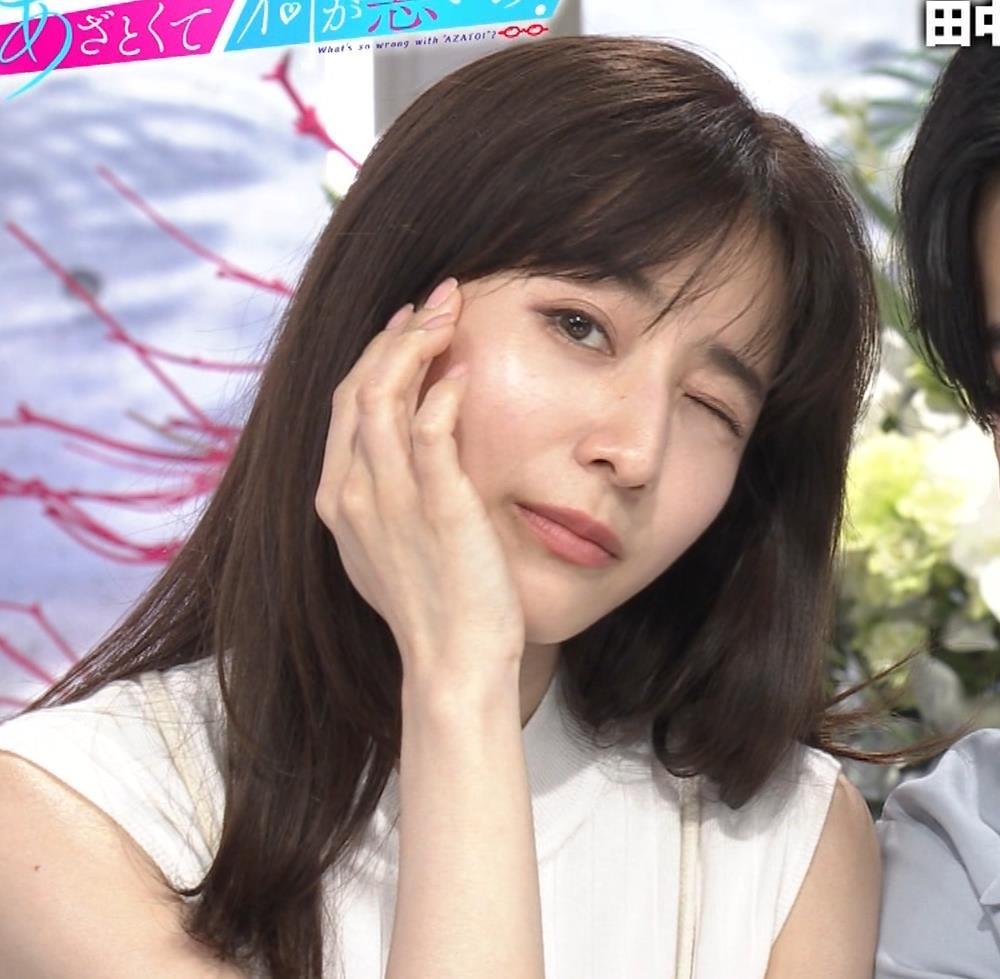 田中みな実 横乳&ワキエロキャプ・エロ画像5