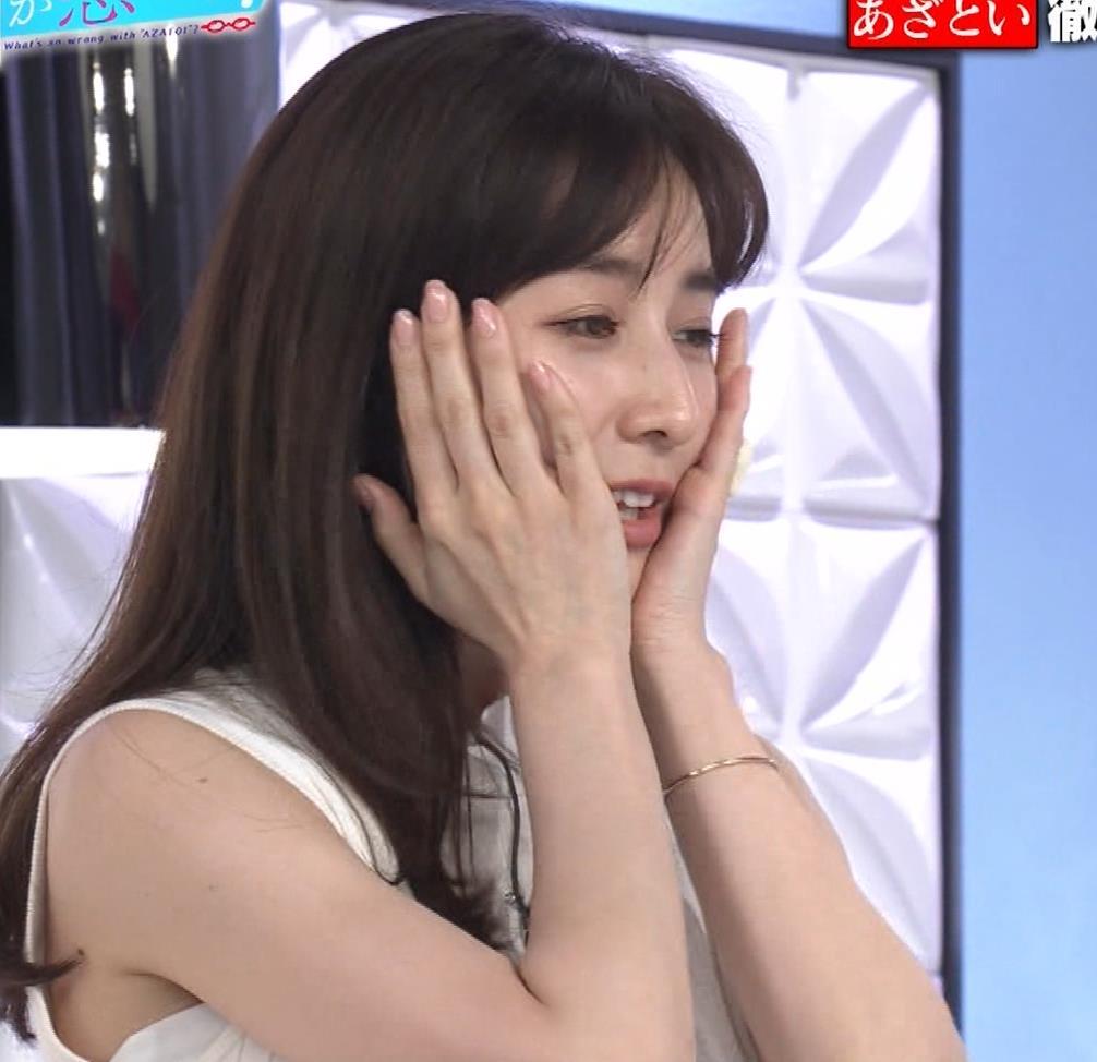 田中みな実 横乳&ワキエロキャプ・エロ画像8