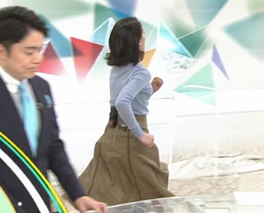 和久田麻由子アナ ニット微乳キャプ・エロ画像7