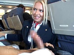 国際線でパンチラしていた外国人CAに勃起チンポを見せつけたら興奮して手コキ&フェラで抜いてくれました。