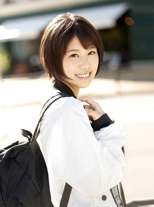 志木あかね 騎乗位大好き女子大生AV女優画像