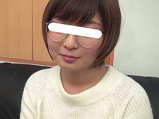 FC2-PPV 772760 完全顔出し♥真面目なツンデレ眼鏡っ娘20歳JDとの密着ラブラブSEX 若葉(わかば)ちゃん
