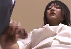 【女性店員さん手コキ】ショールームで妄想もしも手コキ!!1