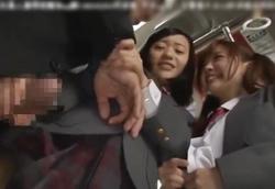 【痴女】女子校通学バスに紛れ込んだリーマン男にムラムラ悪戯逆ちかん!2