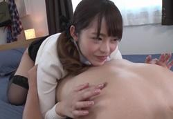 M男の敏感な乳首責を弄びたい小悪魔チチクリ痴女!桜もこ1